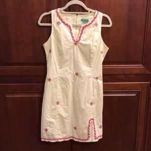 Cute summer dress with embroidered flowers